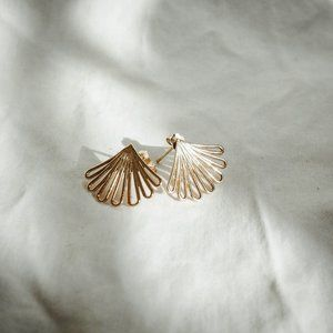 Aurate deco fan gold earrings